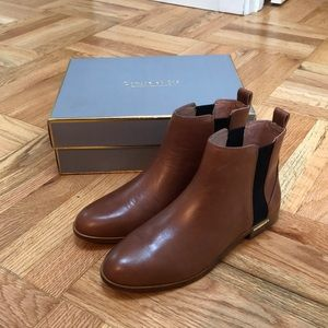 Louise er Cie tan Chelsea booties 8.5